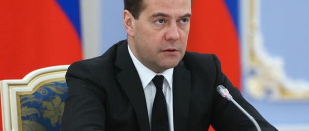 Медведев ответил Яценюку. Пошел с козырей