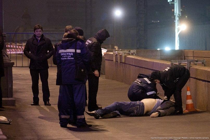 фото убийства с места убийства Немцова
