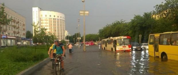 У природы нет плохой погоды. Ливень и град в Екатеринбурге