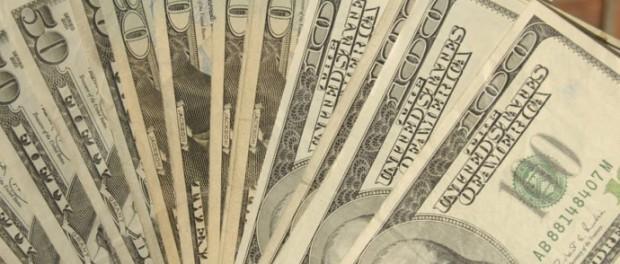 Канадский бездомный нашел $1600 и отнес их в полицию