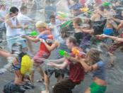 Бесплатная водная битва состоится 12 июля в 14:00 около фонтана на площади у Театра драмы. Сухим из битвы не выйдет никто!
