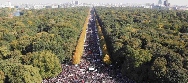 Не в России, а Берлине вышло 250 00 человек против США