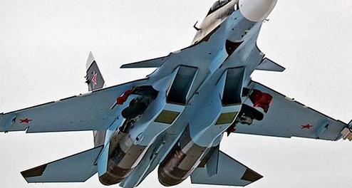 Самолеты ВКС России разнесли скопление БМП и джипов ИГИЛ