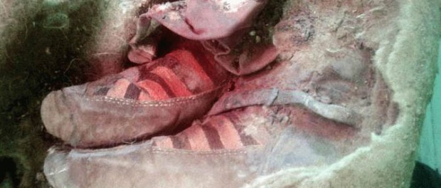 Мумия, которую обнаружили в кроссовках Adidas, шокировала ученых