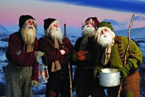 Группа исполнителей эльфов Юля Лада (фигуры из исландского фольклора)