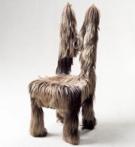 Волосатый стул, детище нашего основателя Шона Патрика Андерсона, стал иконой для ACME. [Это] никогда не перестает восхищать тех, кто сталкивается с этим, включая многих знаменитостей