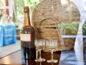 Вино Мадейры с 1796 года и крупный кувшин с 1820-х годов.