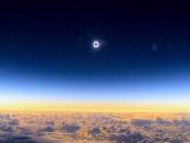Лунное затмения, вид  с самолета