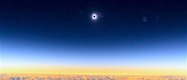 Астрономы наблюдали затмение прямо в самолете