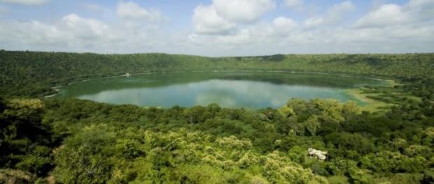 Необычное озеро Lonar Lake