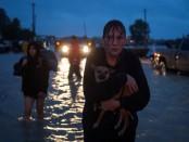 Жители Хьюстона (штат Техас), пострадавшие от урагана Харви