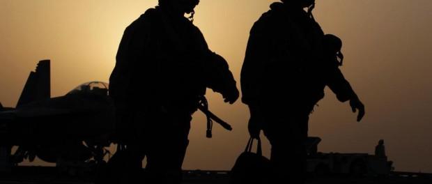 Почему среди военных США так много самоубийств