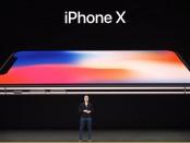 Генеральный директор Apple Тим Кук говорит о новом iPhone X во время медиа-мероприятия в новой штаб-квартире Apple в Купертино, штат Калифорния