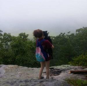 Они гуляли по скалам, когда о ей сказал, что пора умирать