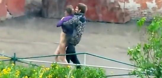 Русские знакомства и другие видео дня