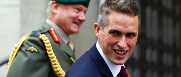 Британский министр обороны попросил русских заткнуться