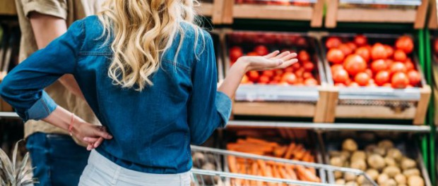 В супермаркетах начали драки из-за тележек