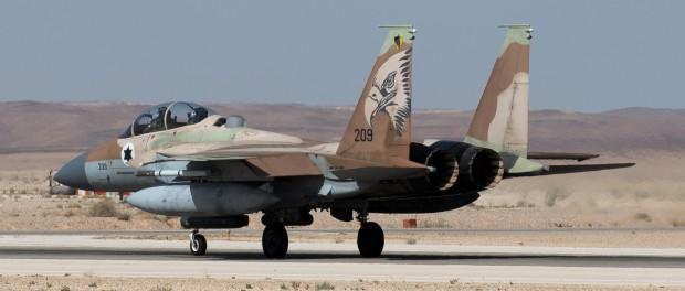 Израиль напал на 4 базы в Сирии, сбит один истребитель