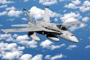9  F/A18 Hornets из VMFA-115 американские истребители
