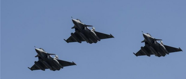 Министр обороны Франции снова угрожает нанести удары по Сирии