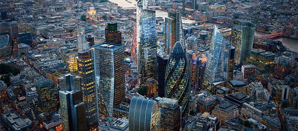 Англия будет блокировать триллионы долларов олигархов из России