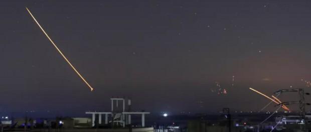 Этой ночью Сирию снова бомбили, ПВО сбило израильский самолет
