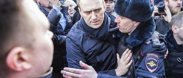 Акции «Он нам не царь» в городах России: около 200 задержанных