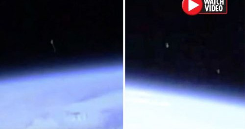 Четыре НЛО постоянно кружат вокруг МКС