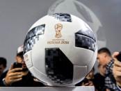 Мутко утопил мяч в Байкале