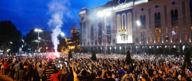 Массовые протесты в Грузии и геополитическое противостояние на Kавказе