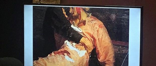 От поцелуя до ножа: Мировые шедевры, поврежденные вандалами