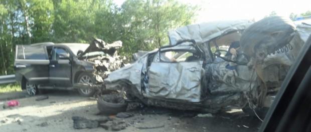 Двое взрослых и трое детей погибло в ДТП на трассе Екатеринбург- Пермь