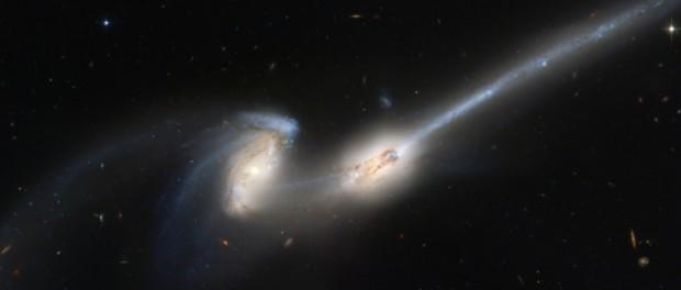 Галактика Андромеды начала поглошать наш Млечный путь