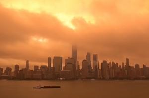 кровавая Луна над Нью Йорком