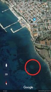 неопознанный подводный объект на дне греческого залива