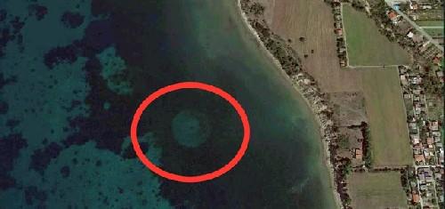 Нашли неопознанный подводный объект на дне греческого залива