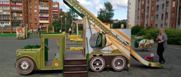 Минобороны построило в Анапе детскую площадку с макетами новейших видов техники и вооружения