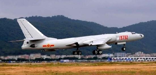 Китайские пилоты отрабатывают воздушные удары по США