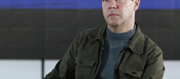 Дмитрий Медведев ушёл в запой