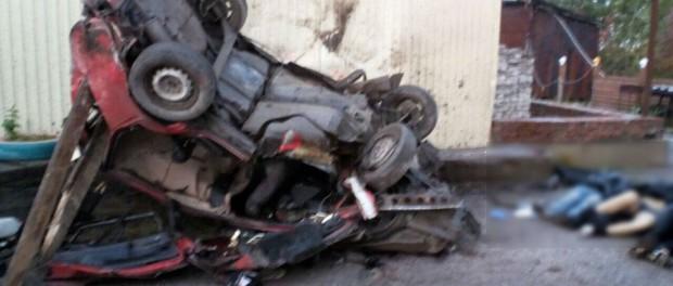 Прикамье «девятка» влетела в кафе: трое подростков погибло