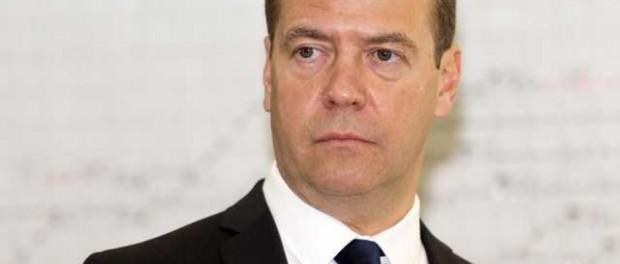 Дмитрий Медведев: бухал или просто медвежья болезнь