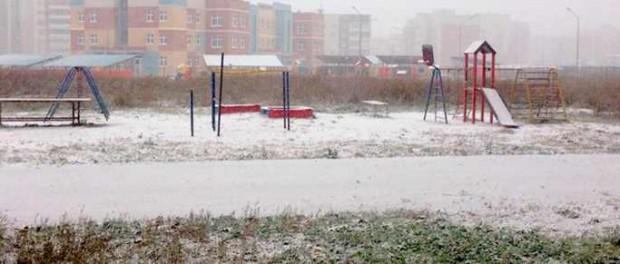 Жара в Москве и снег на Урале говорят, что погода сошла с ума
