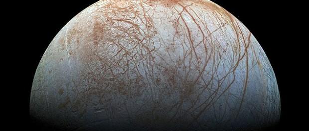 На спутнике Европа найден лес из ледяных игл