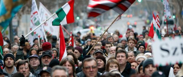 Венгрия срочно отжимает Закарпатье