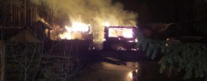 В СНТ Буровик все три дома заполыхали одновременно
