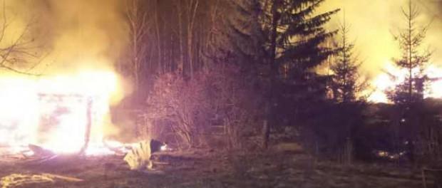 Поджигатель поджег 11 домов в коллективных садах на Московском тракте