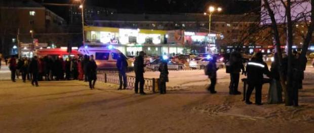Пьяная женщина сбила 2 взрослых и ребенка на Уралмаше