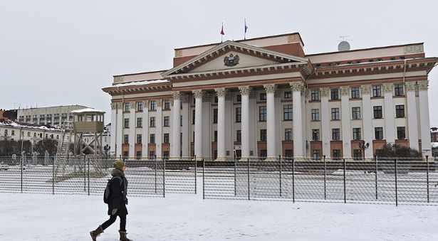 Здание областной администрации в Тюмени