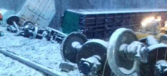 Кто опрокинул поезд с танками на границе Тюменской области