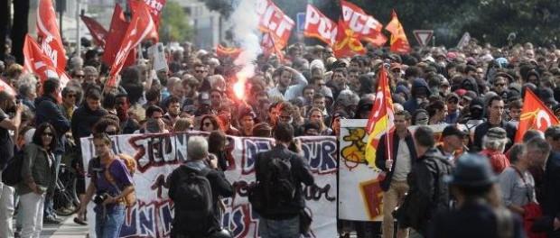 Макрон и ЕС жестко предупредили о революции из-за мигрантов